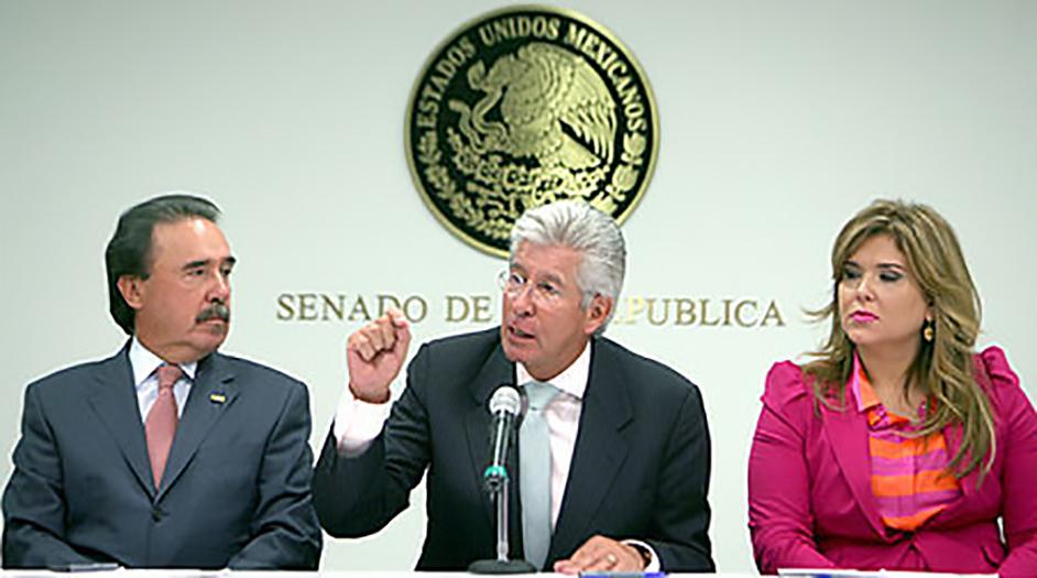 El titular de la SCT, Gerardo Ruiz Esparza, se reúne con senadores del PRI y PVEM
