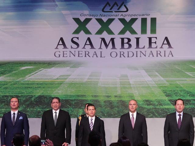 El Presidente Enrique Peña Nieto encabezó la clausura de los trabajos de la XXXII Asamblea General Ordinaria del CNA.
