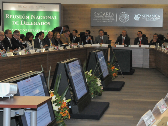 El secretario José Calzada Rovirosa encabezó la Reunión Nacional de Delegados de la SAGARPA.