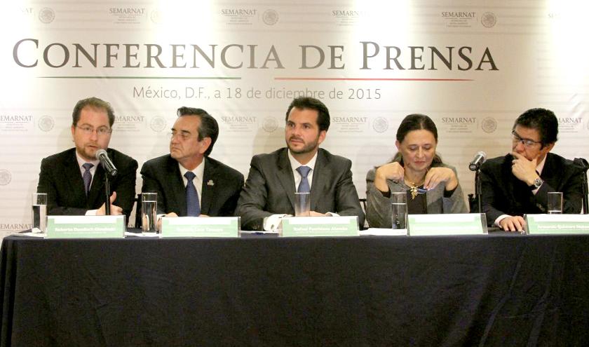 El titular de la Semarnat, Rafael Pacchiano Alamán, en conferencia de prensa explicó las implicaciones nacionales del Acuerdo de París