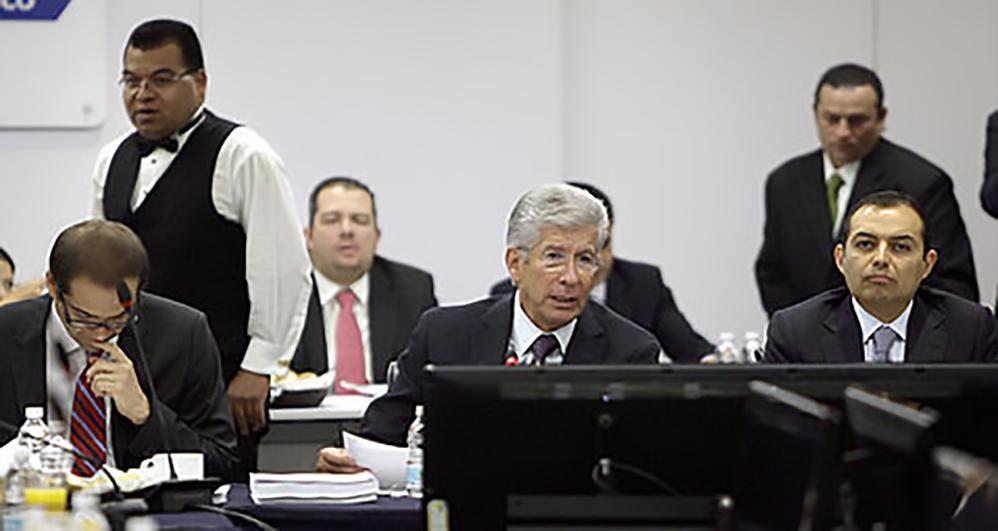 El Secretario de Comunicaciones y Transportes, Gerardo Ruiz Esparza, se reunió con la fracción del PAN en el Senado