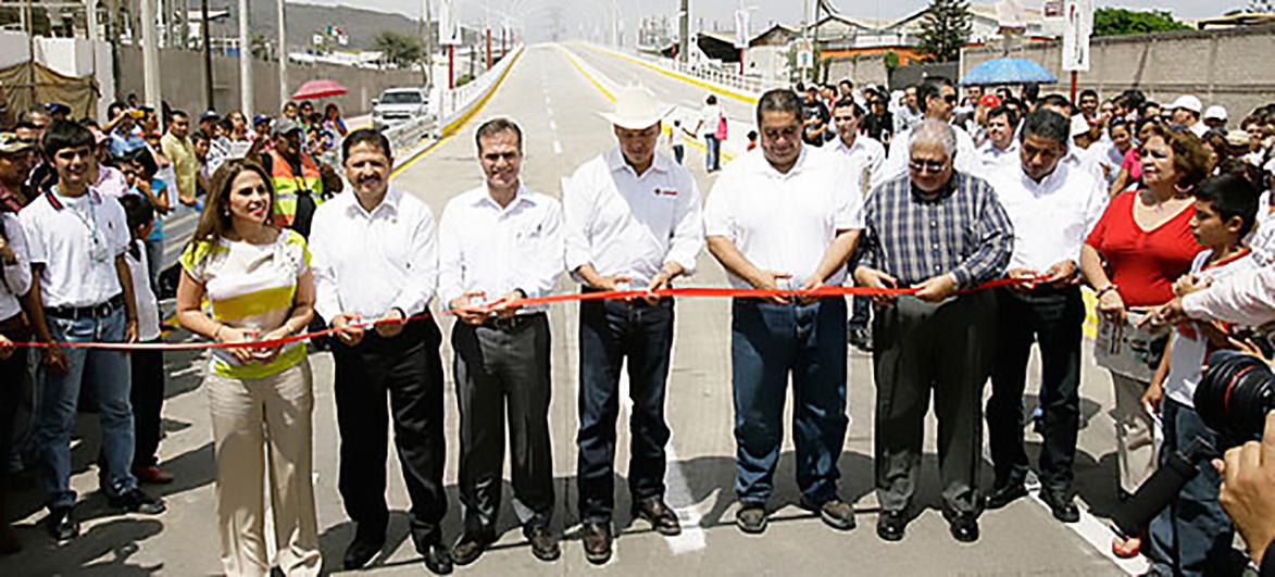 Con la representación del titular de la SCT, Gerardo Ruiz Esparza, el coordinador General de Centros SCT, José Antonio Rodarte, da el banderazo a los trabajos
