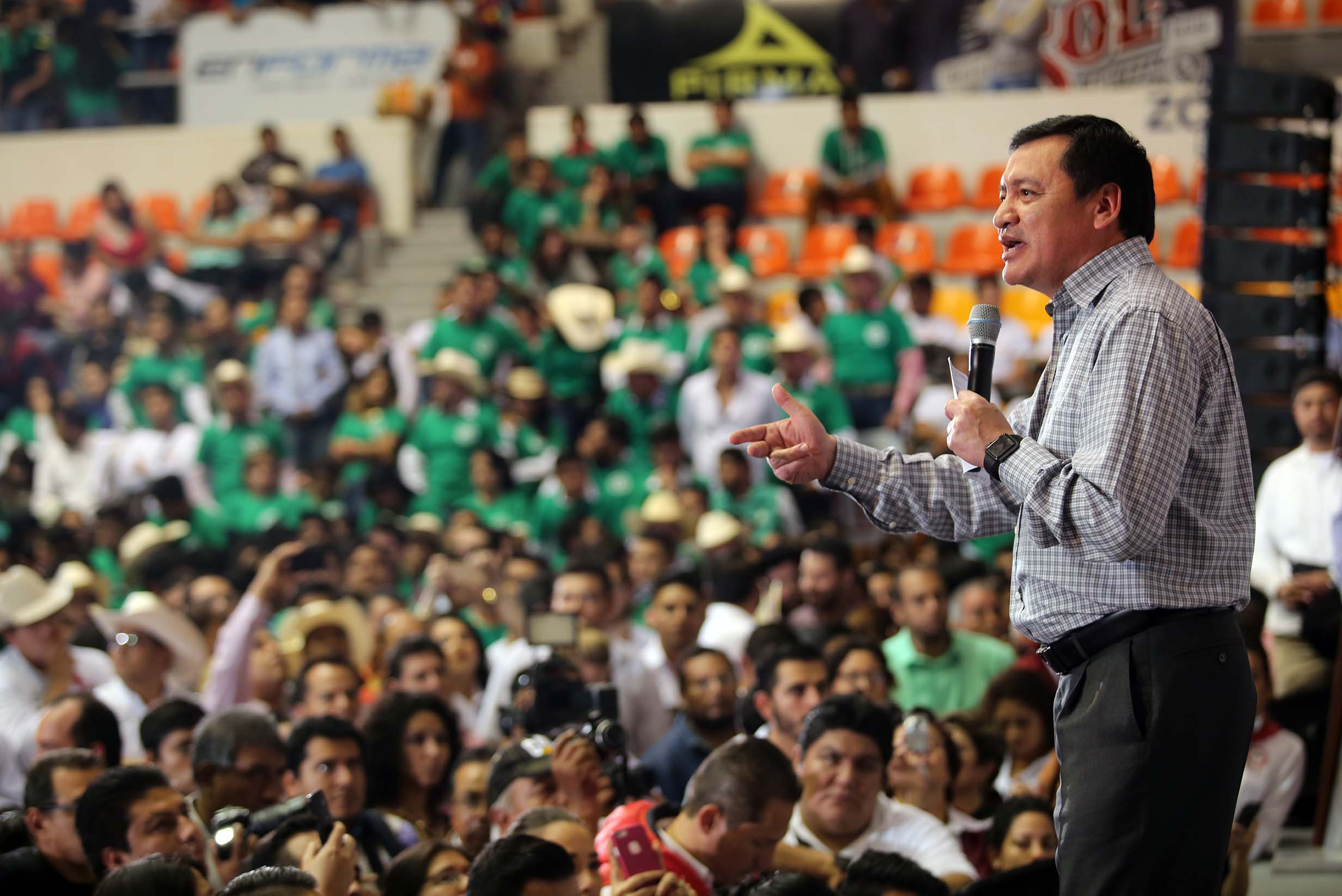 El Secretario de Gobernación, Miguel Ángel Osorio Chong, durante la Toma de Protesta del Comité Ejecutivo Nacional de Vanguardia Juvenil Agrarista de la CNC en Veracruz