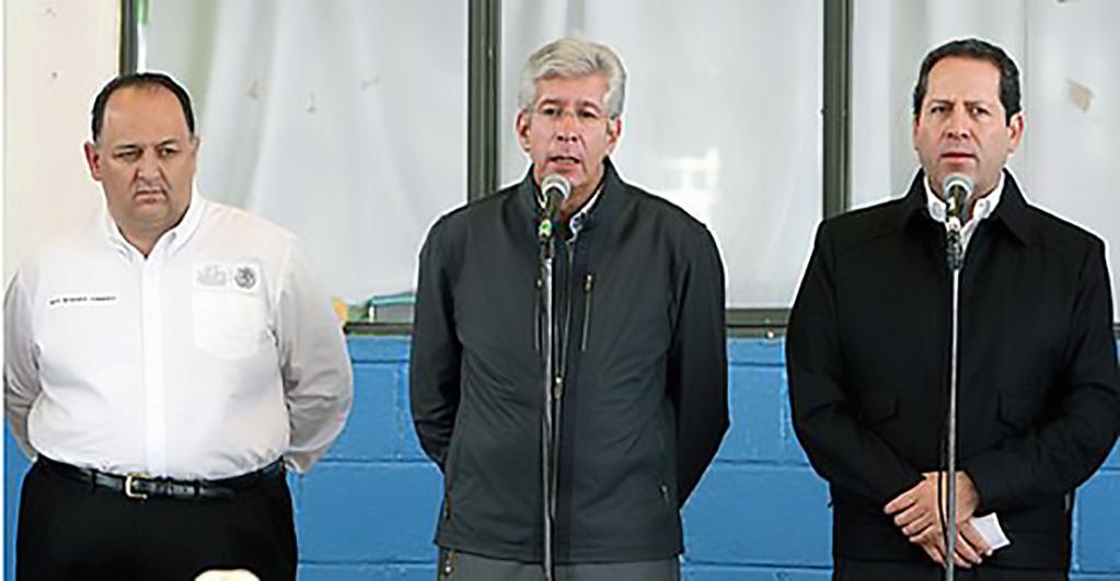 El secretario de Comunicaciones y Transportes, Gerardo Ruiz Esparza, dijo que se buscarán las mejores soluciones con respeto y comprensión de los habitantes del lugar