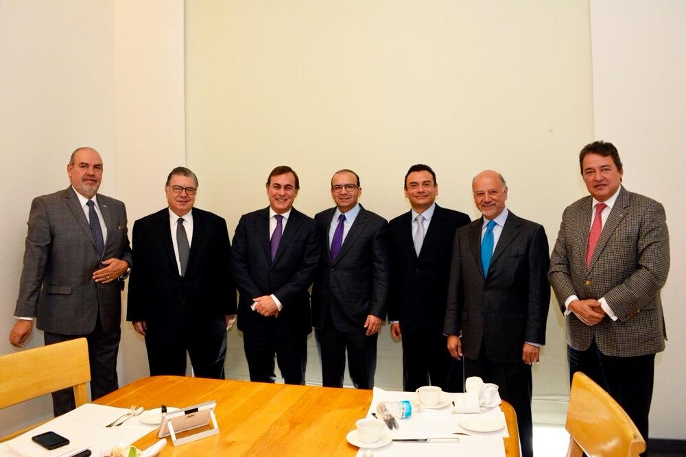 En el encuentro encabezado por el Secretario Alfonso Navarrete Prida y el Presidente del CCE, Juan Pablo Castañón, destacó el compromiso asumido por ambas instituciones para mantener el dialogo social tripartito.