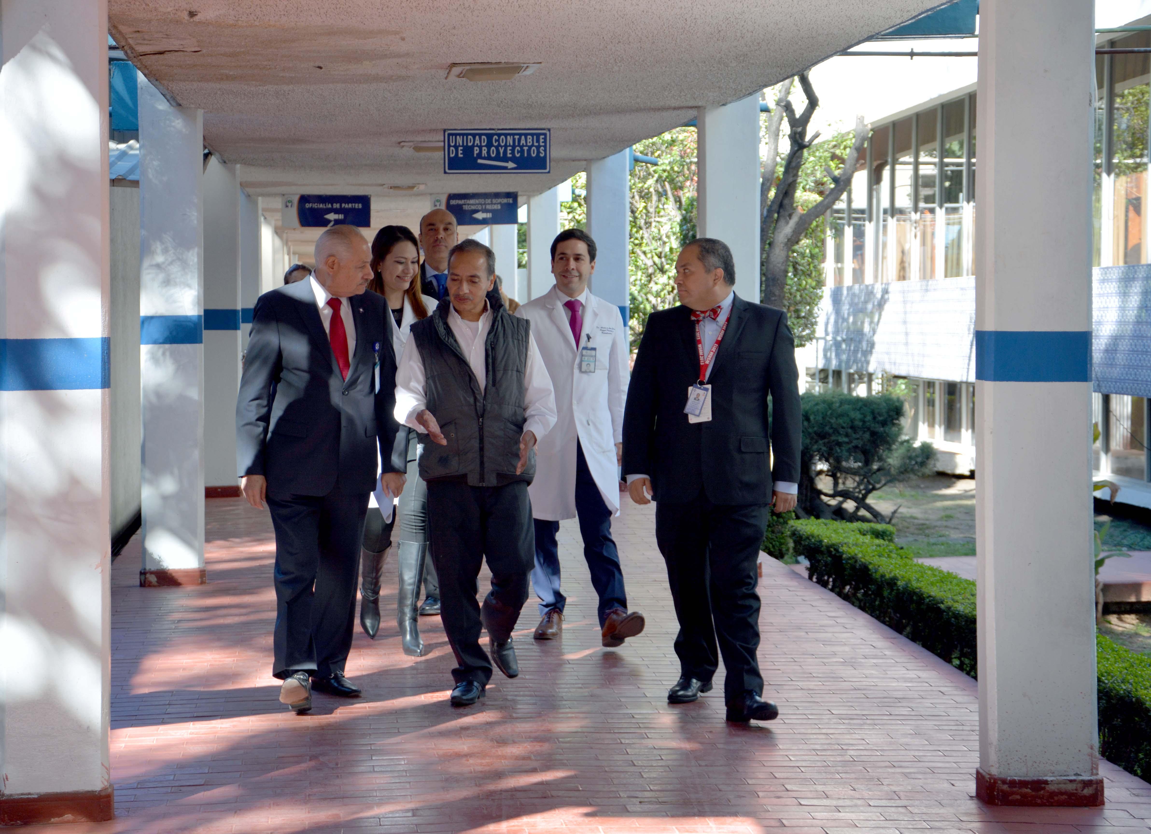 La intervención duro 10 horas; participaron en forma simultánea dos equipos de especialistas de este nosocomio.