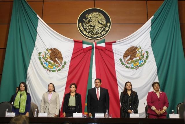 Comparece la Secretaria de Desarrollo Social, Rosario Robles Berlanga, ante las Comisiones Unidas de Desarrollo Social, Asuntos Indígenas, Derechos de los Niños y Equidad de Género, de la Cámara de Diputados.