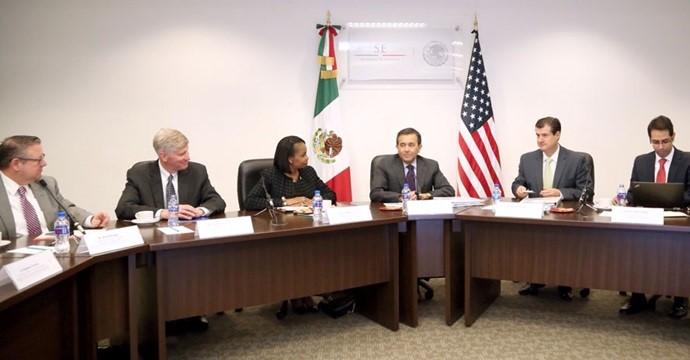The Secretary of Economy meets the Mayor of San Antonio, Texas