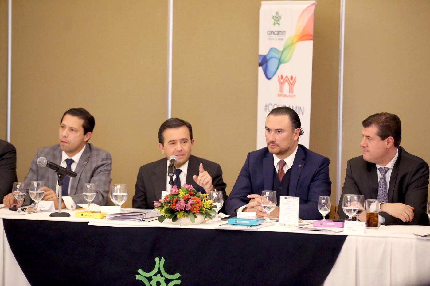 Se reúne el Secretario de Economía, Ildefonso Guajardo Villarreal, con la CONCAMIN