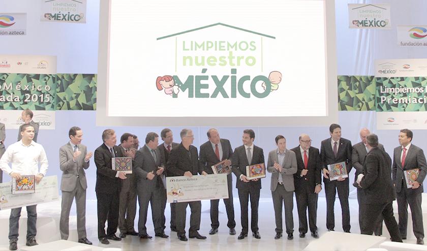 Se premió a los ganadores de los concursos Líderes ambientales de la comunidad, Recicla 2015 y Ciudades más limpias de México