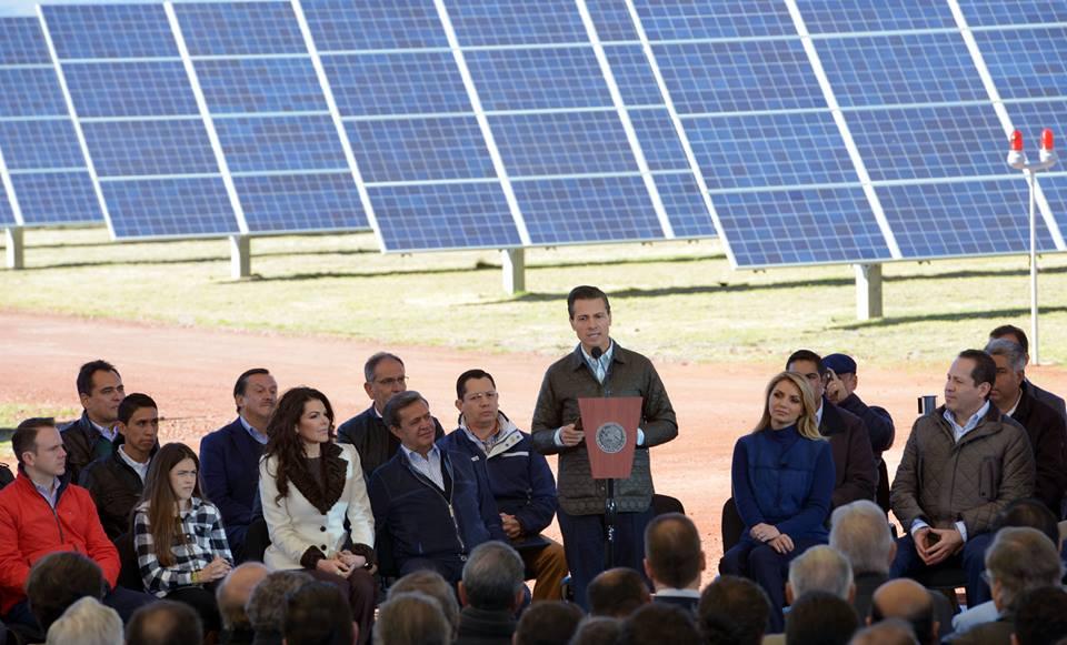 Otra arista de la Reforma Energética es la que tiene que ver con el sector eléctrico, con el asegurar que el suministro de energía eléctrica para los hogares, para el comercio, para la industria, sea más eficiente y, sobre todo más barata.