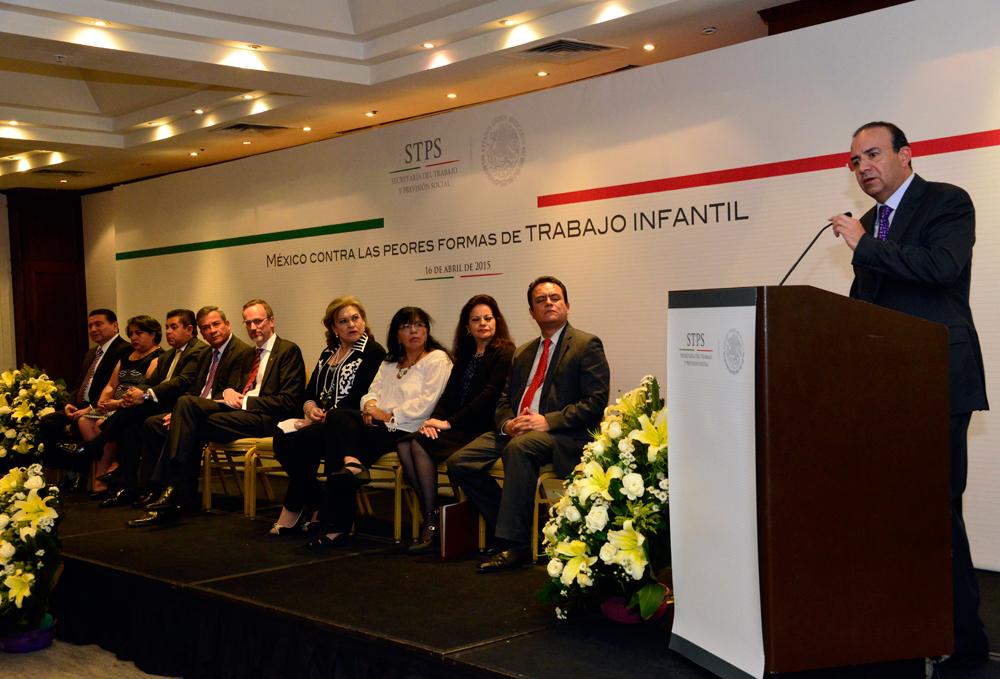 Convoca Secretario Alfonso Navarrete Prida a sumar esfuerzos para la erradicación del trabajo infantil en México.