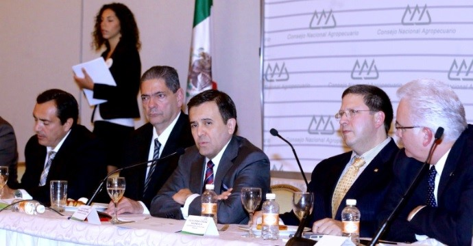 The Secretary Ildefonso Guajardo meets with the National Agricultural & Livestock Council