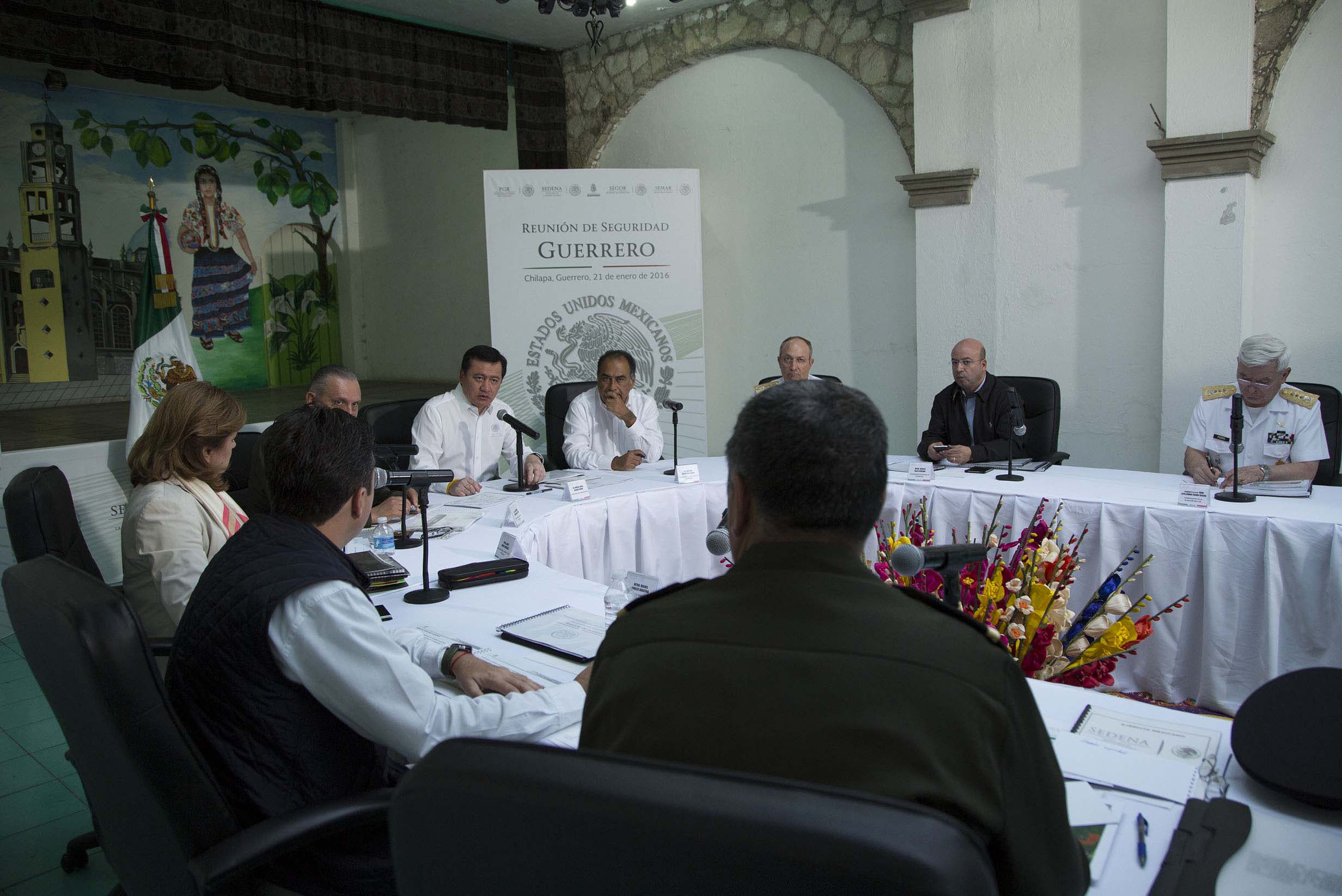 Miguel Ángel Osorio Chong, Secretario de Gobernación, encabezó una reunión de seguridad y de evaluación del Plan Nuevo Guerrero en Chilapa de Álvarez, Guerrero.