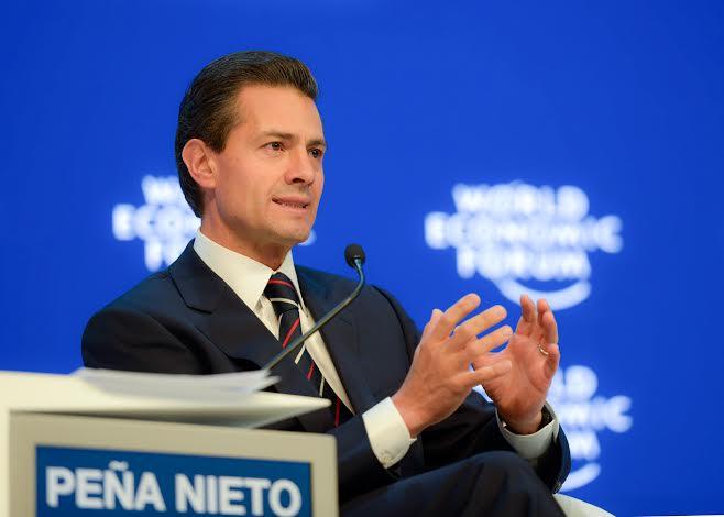 Al participar en la Reunión 2016 del Foro Económico Mundial, el Mandatario mexicano señaló que los precios bajos del petróleo no frenan, ni limitan, ni detienen su instrumentación.