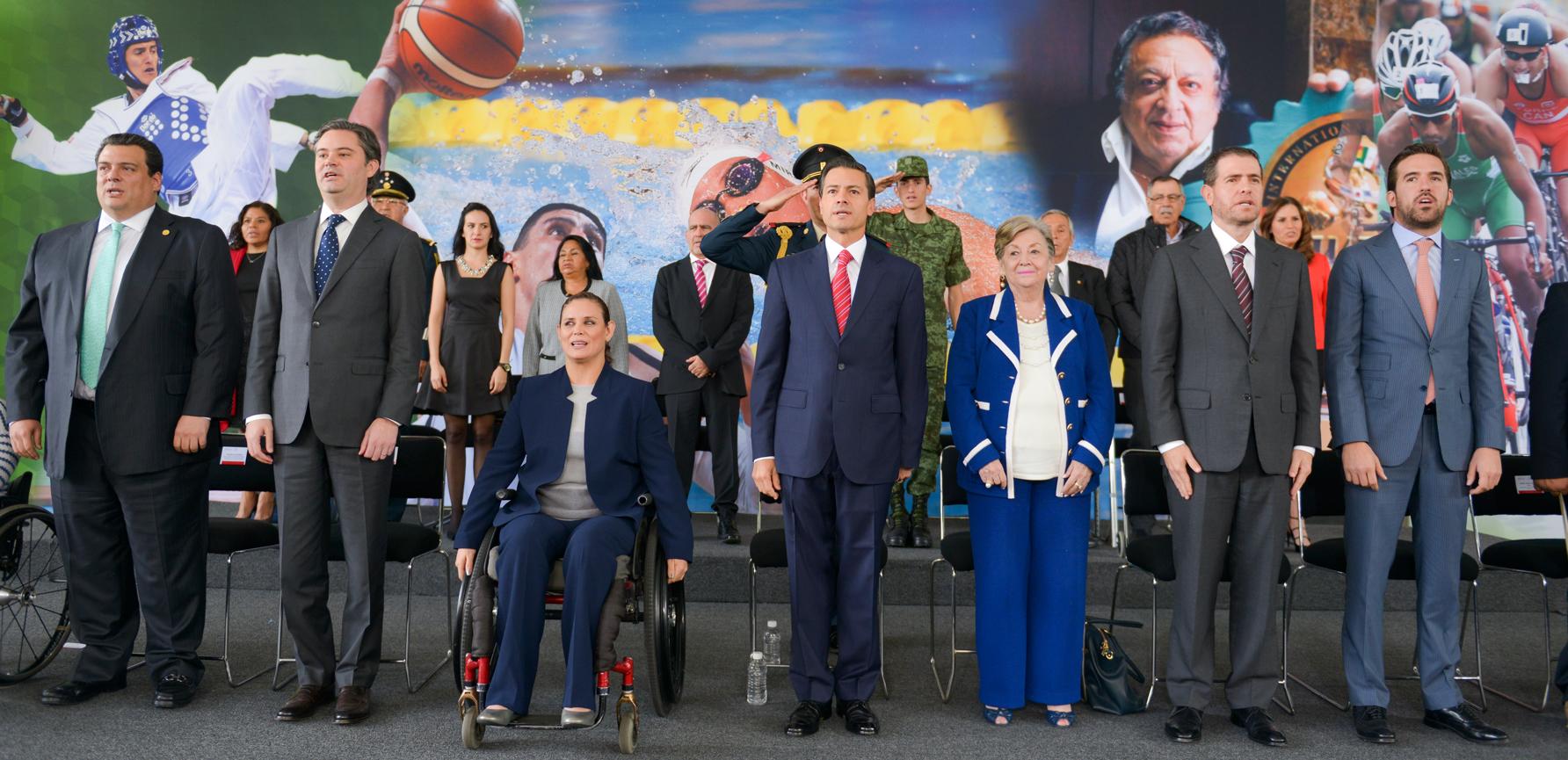 El Mandatario encabezó la ceremonia de entrega del Premio Nacional de Deportes y del Premio Nacional de Mérito Deportivo 2015.