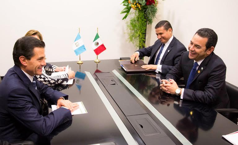En la IV Cumbre de Jefes de Estado y de Gobierno de la CELAC, el Presidente Peña Nieto se reunió con el Mandatario de Guatemala, Jimmy Morales.