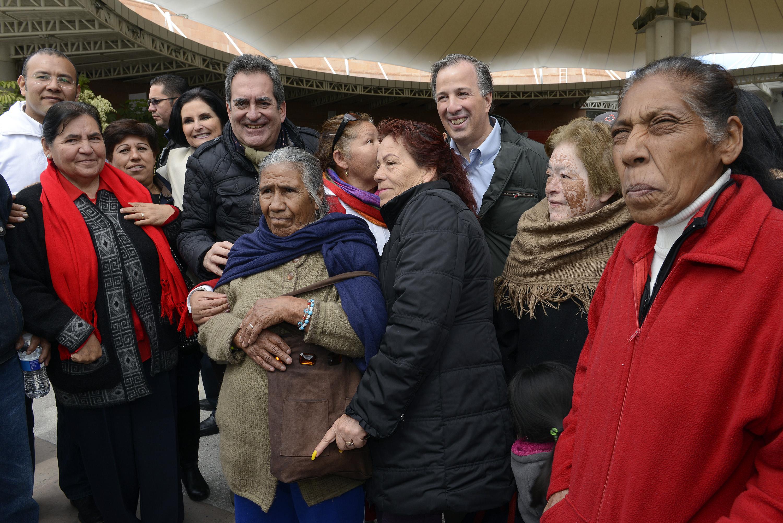 El titular de la Sedesol realizó una gira de trabajo por Aguascalientes, donde firmó con el gobernador Carlos Lozano el Acuerdo por un Aguascalientes sin Pobreza