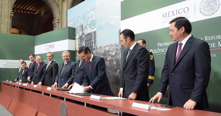 El Primer Mandatario promulgó la Reforma Política de la Ciudad de México.