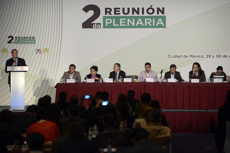 Secretario de Desarrollo Social, José Antonio Meade Kuribreña, al término de la Segunda Reunión Plenaria del Grupo Parlamentario del PRI y PVEM de la LXIII Legislatura de la Cámara de Diputados