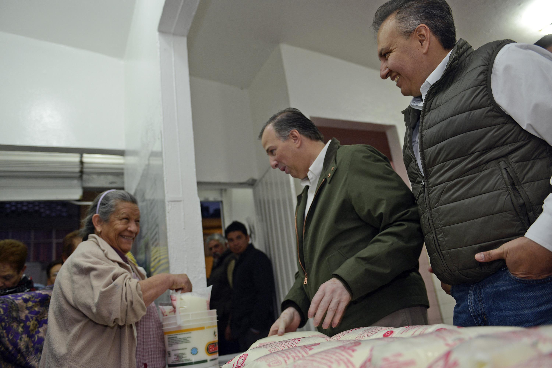 Visita a una lechería de Liconsa en la Ciudad de México