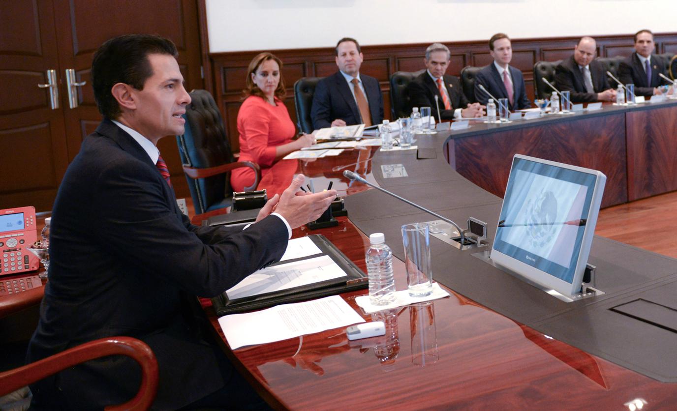 El Mandatario sostuvo una reunión con miembros de su Gabinete y mandatarios de las entidades del país que visitará S.S. el Papa Francisco.