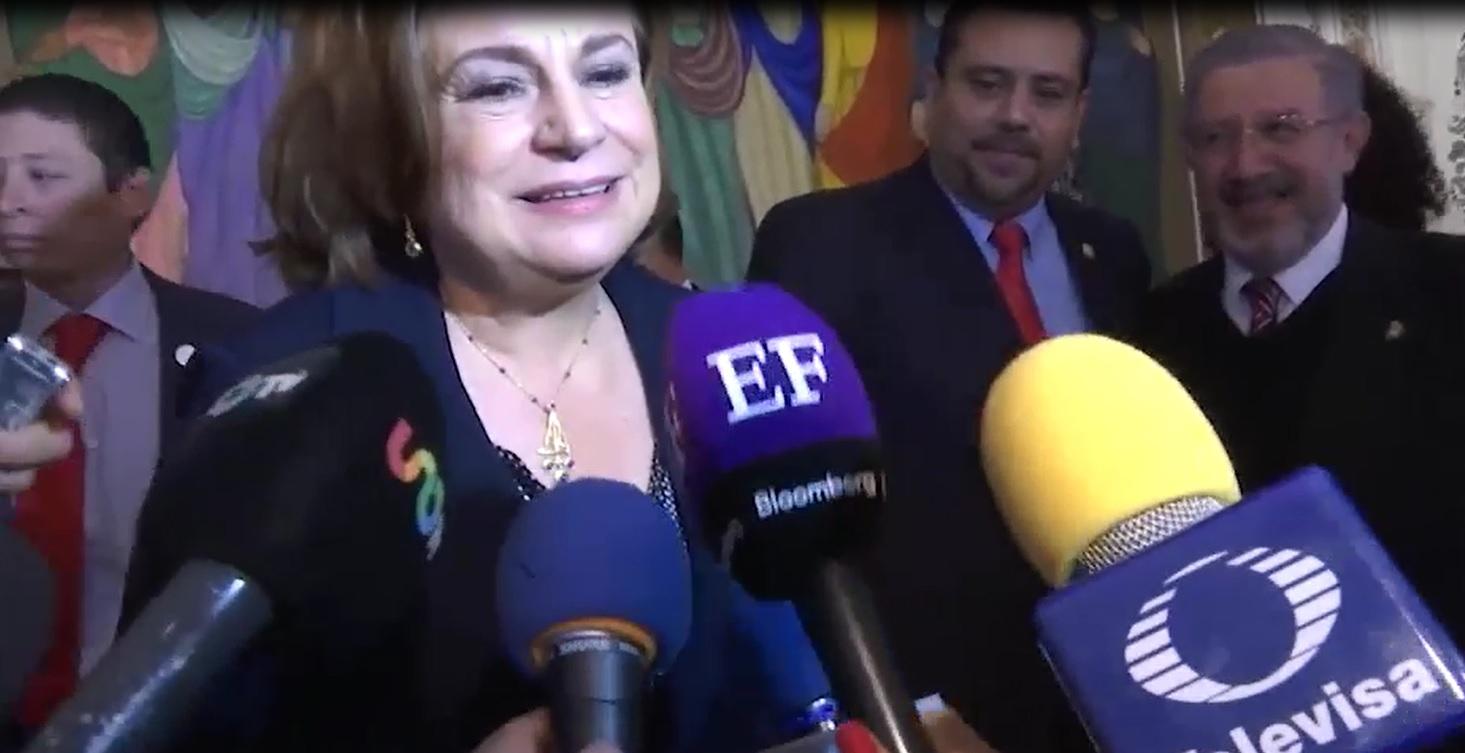 Entrevista a la Mtra. Arely Gómez González al término del inicio de los festejos para la conmemoración del Centenario de la Constitución.