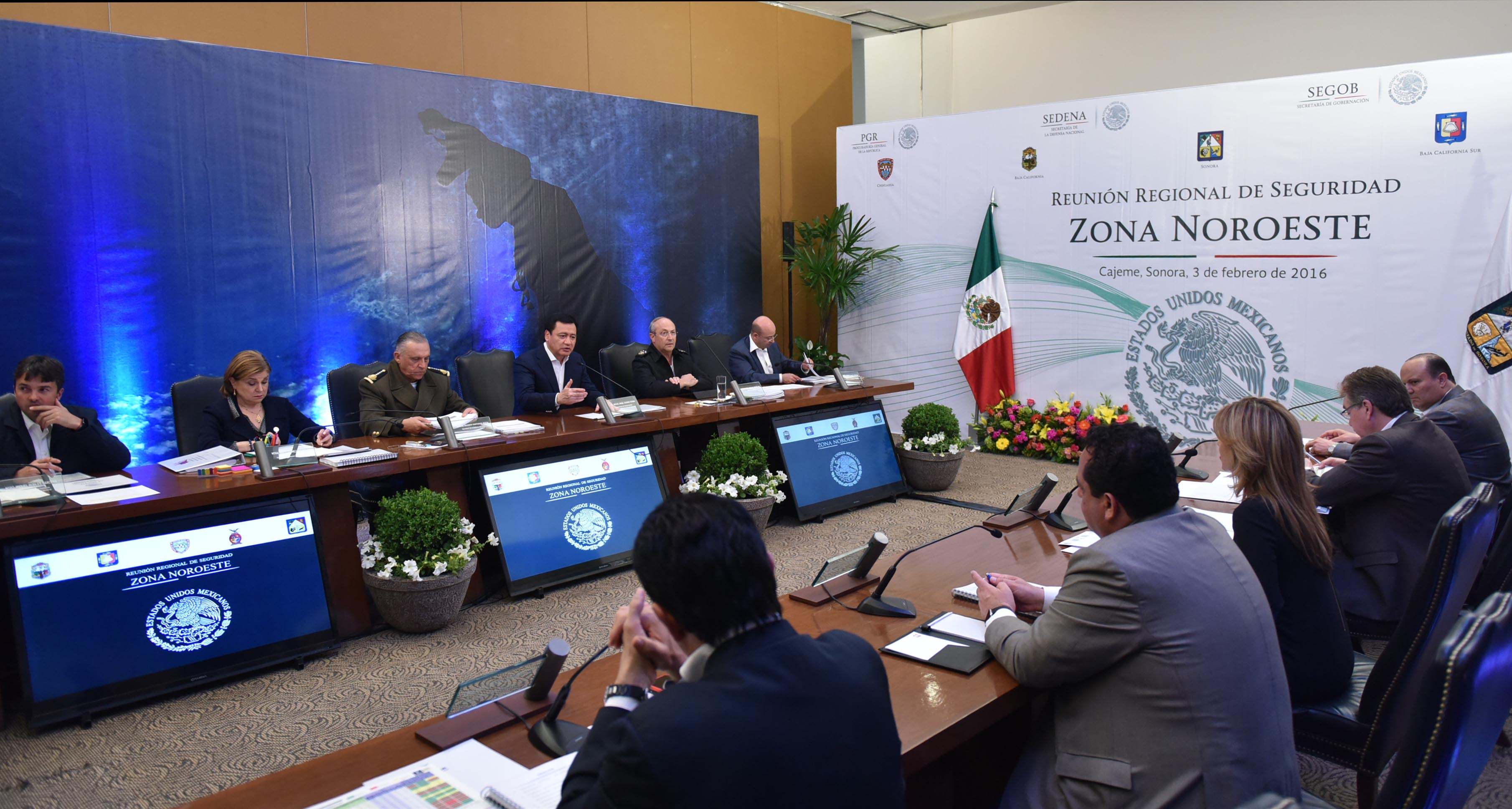 El Secretario de Gobernación, Miguel Ángel Osorio Chong, encabezó la Reunión de Seguridad Zona Noroeste que se llevó a cabo en Cajeme, Sonora