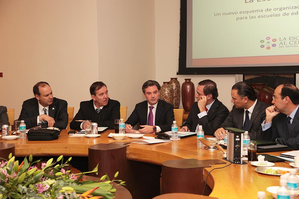 El secretario de Educación Pública se reunió con representantes del Consejo Coordinador Empresarial