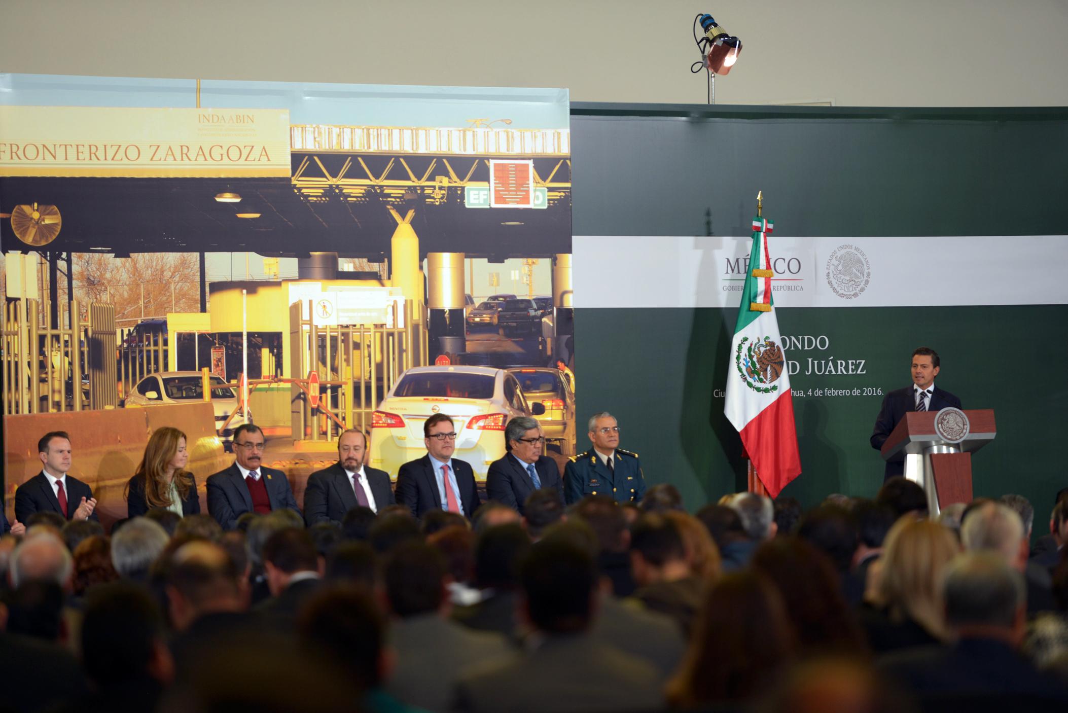 """""""Hago votos porque esta participación, ésta muy activa participación de la sociedad juarense, permita hacer de este fondo un instrumento más para el desarrollo y progreso de Ciudad Juárez"""", destacó el Mandatario."""