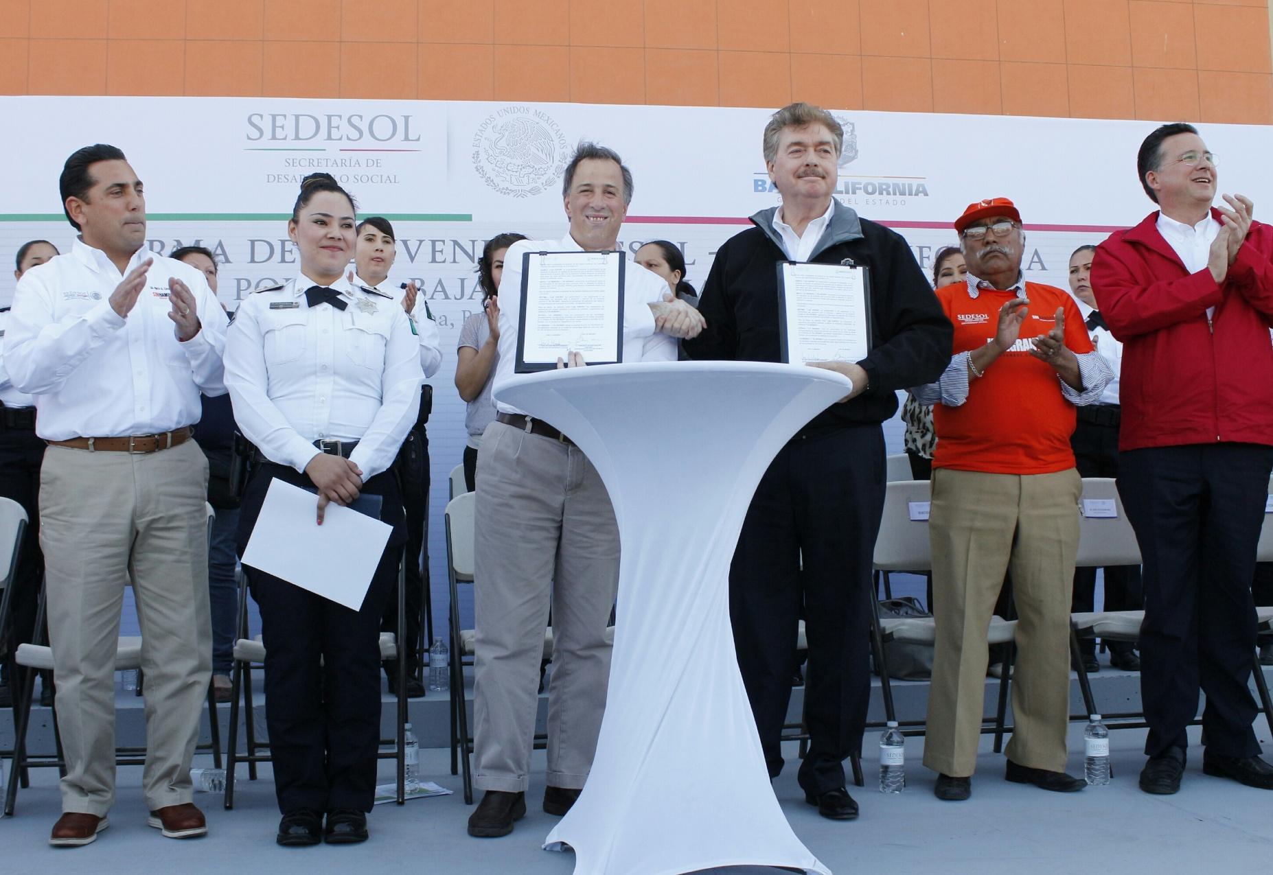 En Tijuana, el titular de Sedesol firmó el Acuerdo por un Baja California sin Pobreza