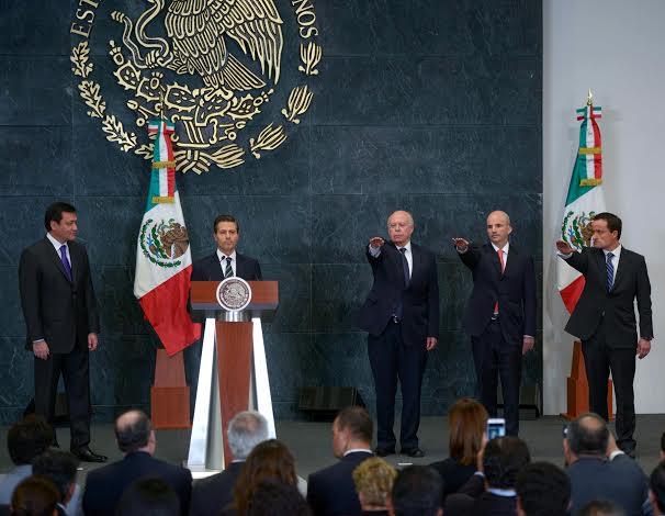 El Presidente de la República, nombró a José Narro Robles como Secretario de Salud; a Mikel Arriola Peñalosa, Director General del Instituto Mexicano del Seguro Social; y a José Antonio González Anaya, Director General de Petróleos Mexicanos.