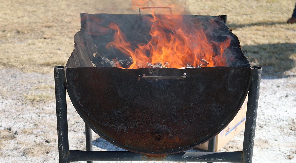 Incinera PGR más de un kilo de droga