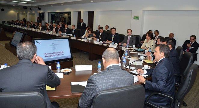 Se reunió el Secretario de Economía con Delegados Federales