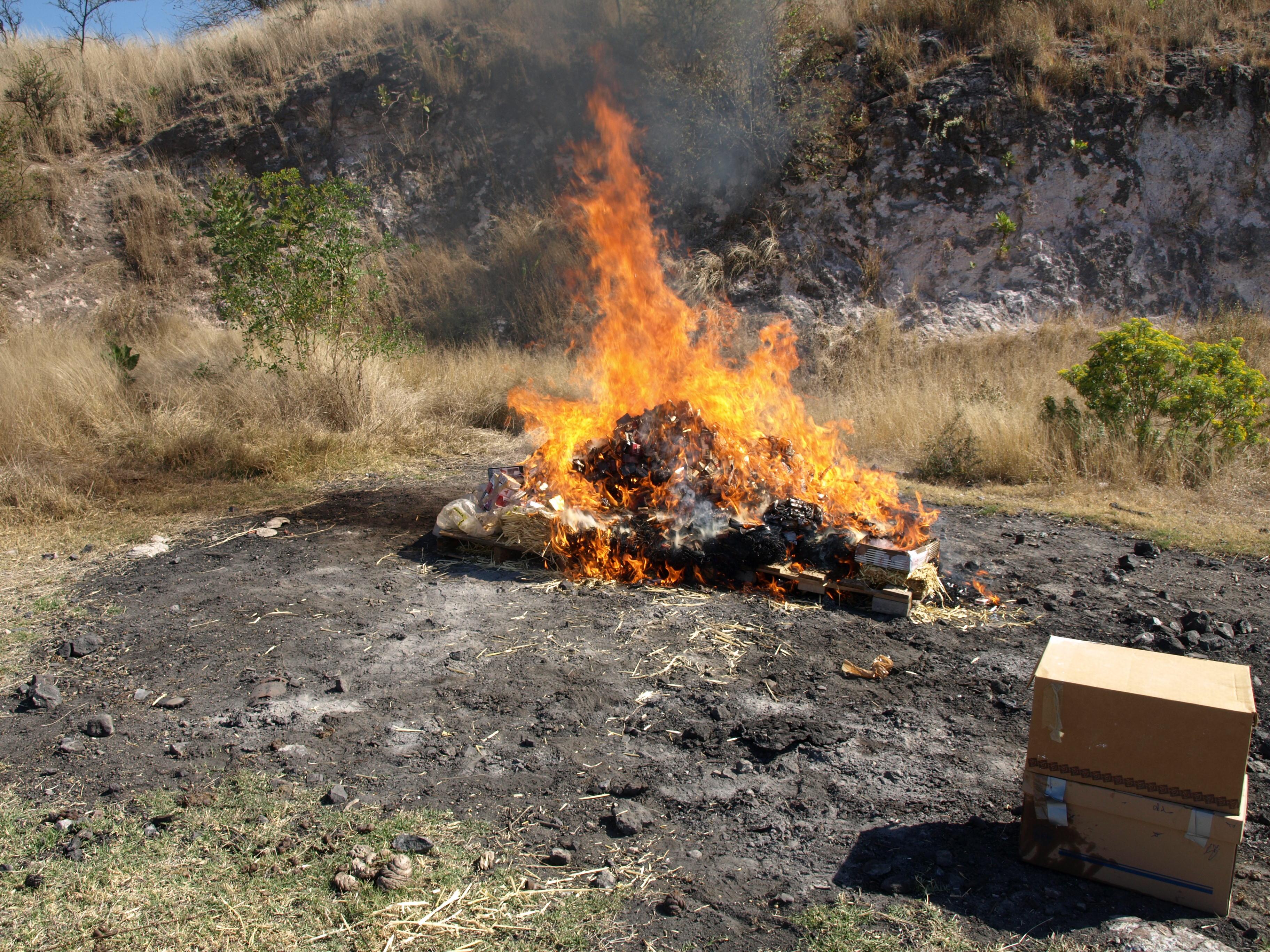 Incinera PGR narcóticos y destruye objetos ilícitos  en Guanajuato