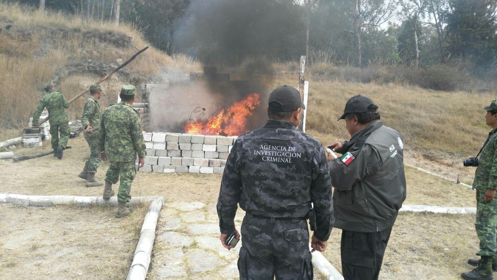 PGR en Puebla destruye objetos e instrumentos de delito y narcóticos