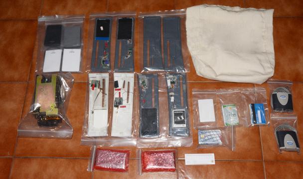 PGR Guerrero consigna a cinco extranjeros detenidos en posesión de tarjetas bancarias.