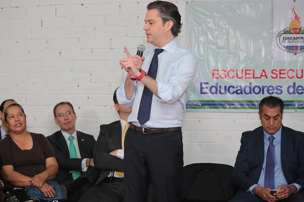 Secretario de Educación Pública y gobernador reconocen coordinación entre gobiernos