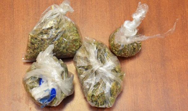 Consigna PGR a una persona detenida en posesión de más de cinco kilos de marihuana