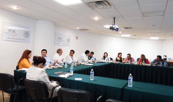 La PGR y el IMSS de Yucatán, efectuan reunión de trabajo.