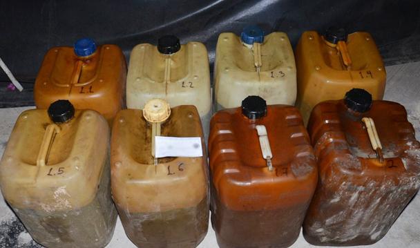 PGR ejerce acción penal contra dos hombres por el delito de posesión de hidrocarburos.