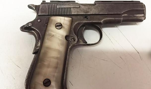 Consigna PGR a una persona detenida en portación de un arma
