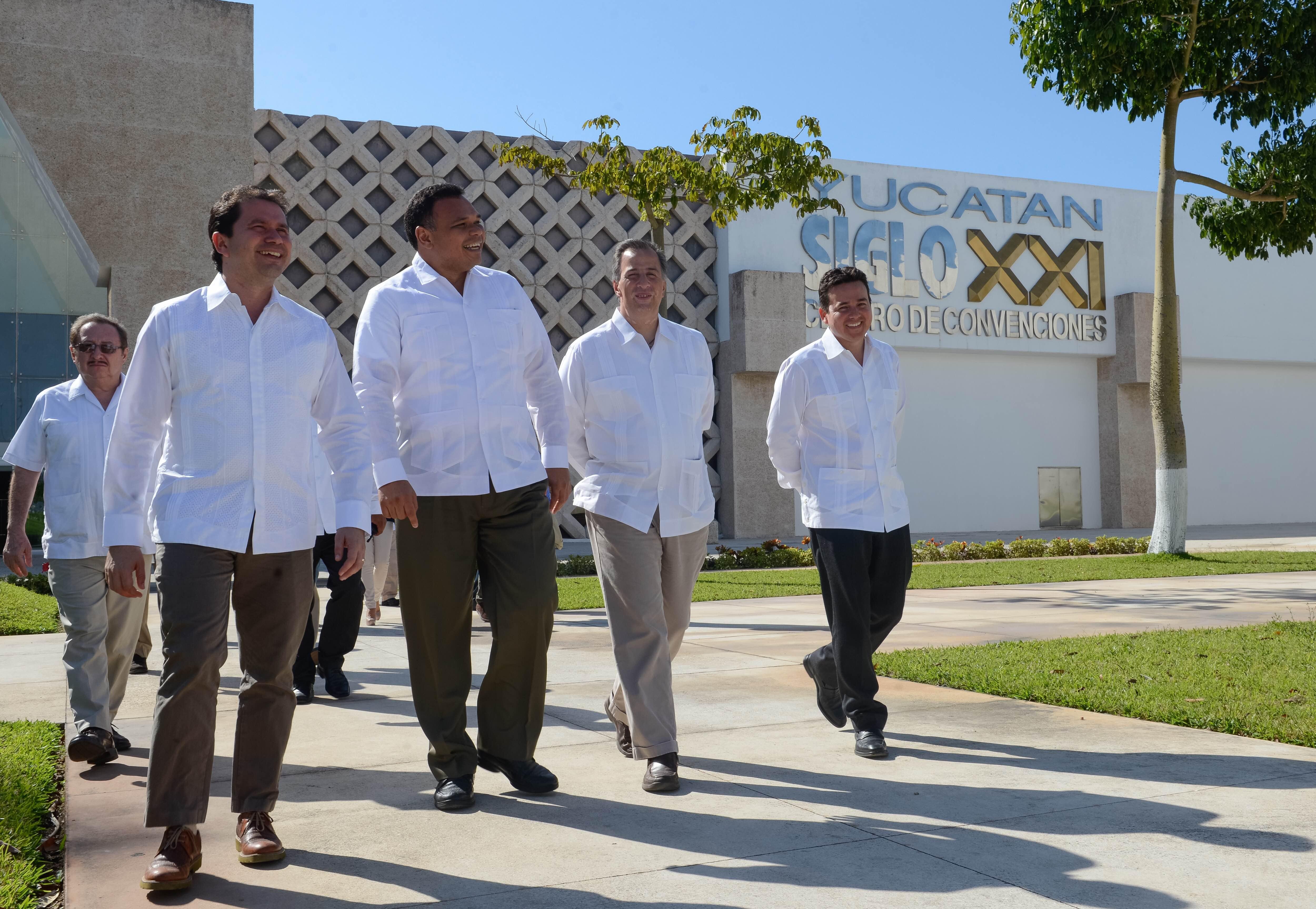 Entrevista del secretario José Antonio Meade en el marco de su gira de trabajo por el estado de Yucatán