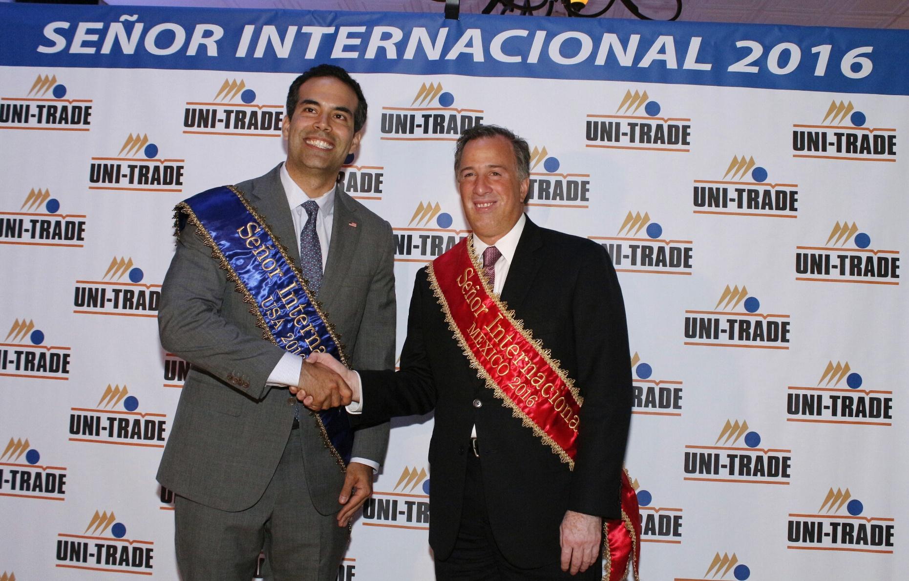 Recibe el secretario Meade en Laredo, Texas, reconocimiento Señor Internacional 2016