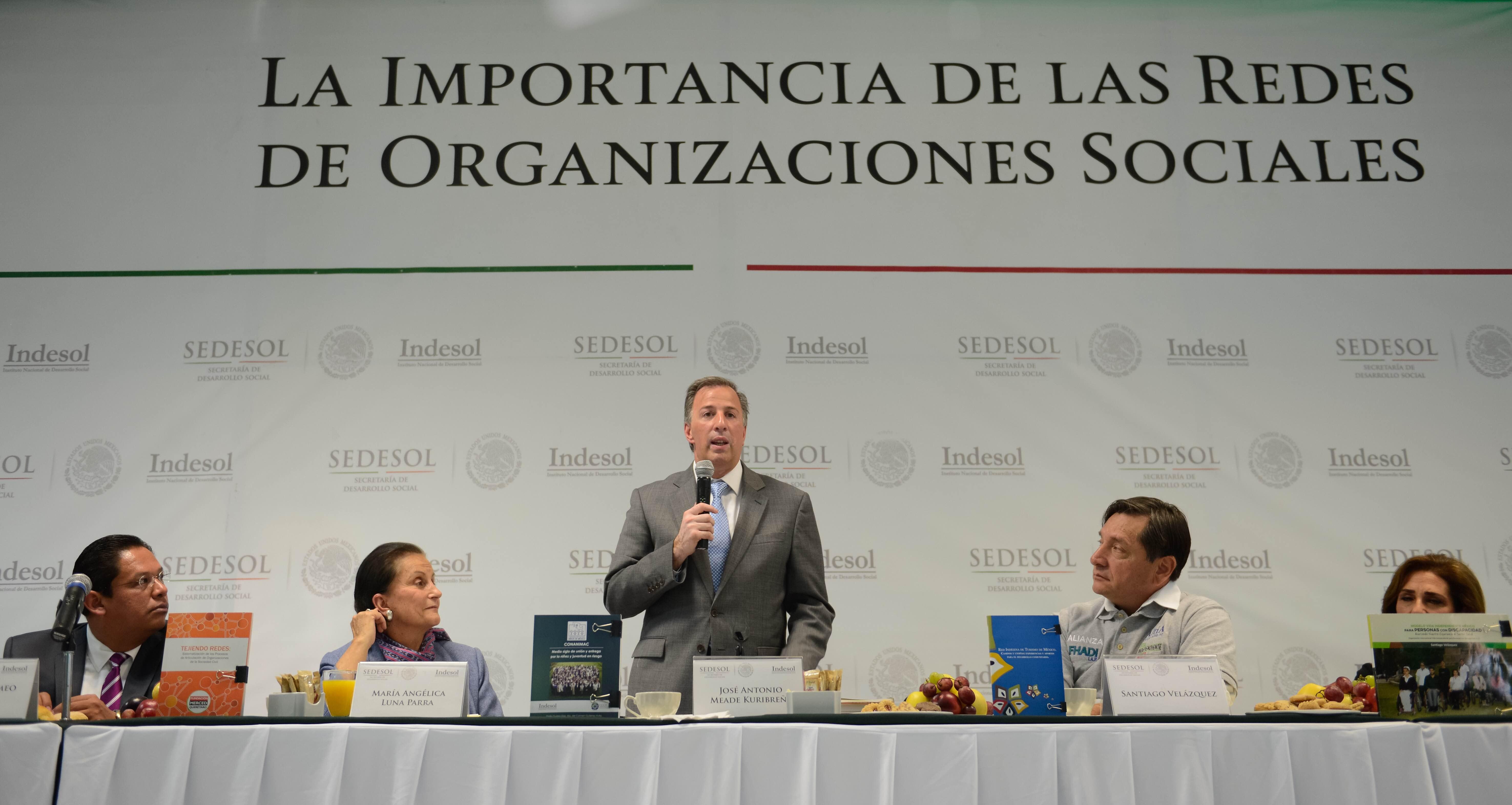 El secretario de Desarrollo Social inauguró el Tercer Ciclo de Seminarios de Investigación del Indesol en materia de Redes de Organizaciones Sociales.