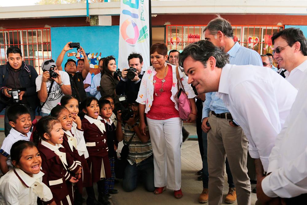 Anuncia más de 2 mil millones de pesos para infraestructura escolar en Oaxaca