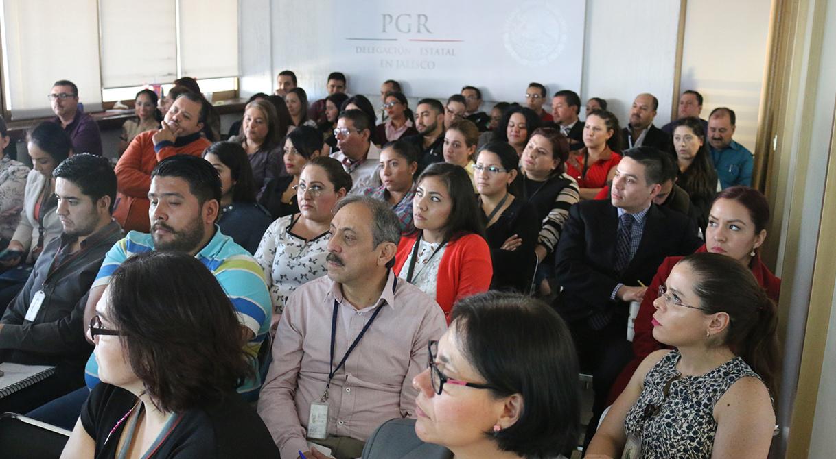 Se capacitan 300 funcionarios de PGR Jalisco Ante el Nuevo Sistema de Justicia Penal.