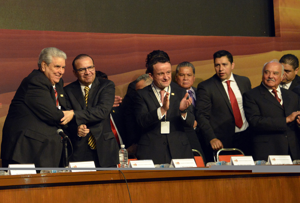 El Titular de la Secretaría del Trabajo y Previsión Social, asistió con la representación del Presidente Enrique Peña Nieto, a la ceremonia del 80 Aniversario de la CTM.
