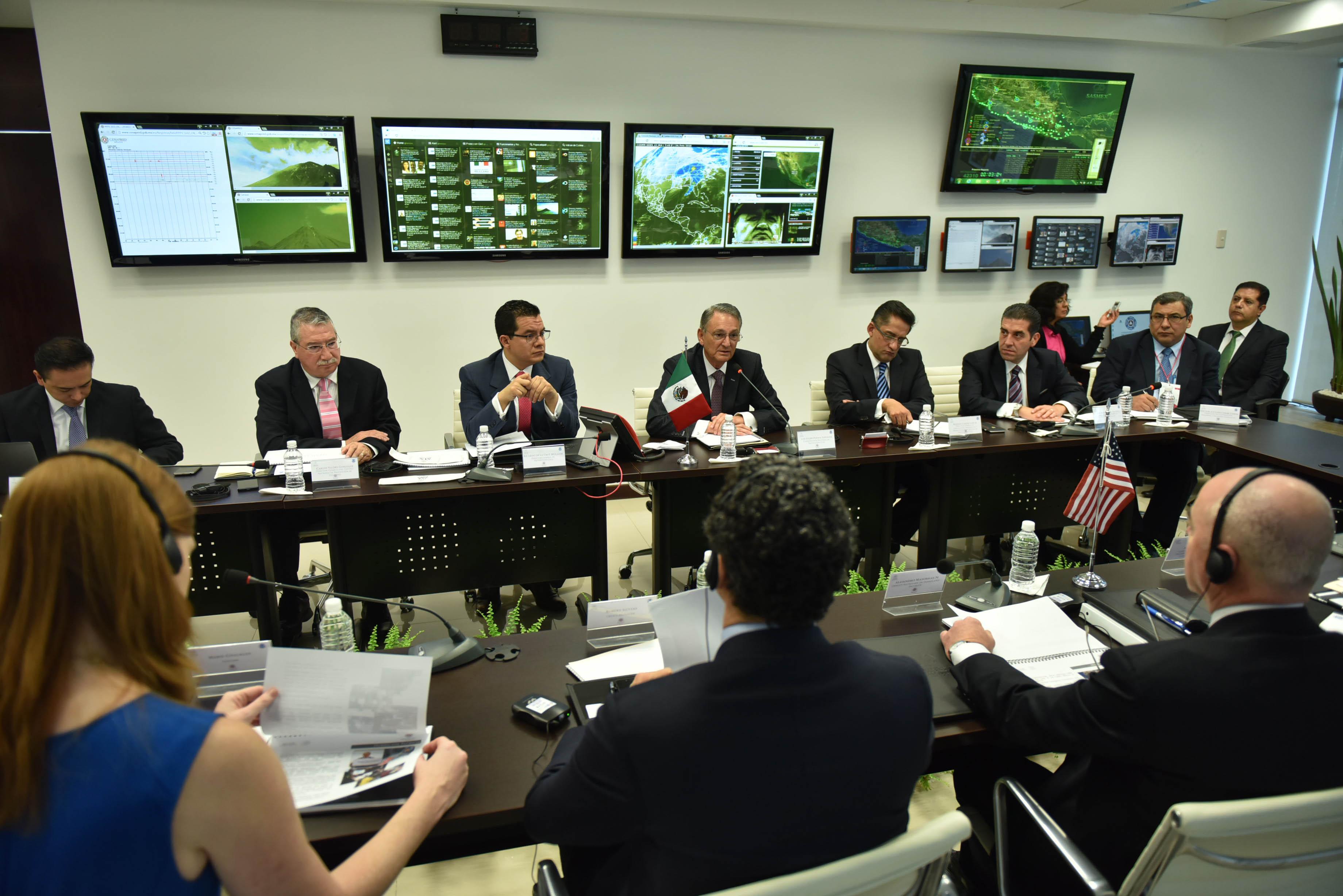 El Coordinador Nacional de Protección Civil, Luis Felipe Puente Espinosa, sostuvo una reunión de trabajo con el secretario adjunto de Seguridad Interna de Estados Unidos, Alejandro Mayorkas.
