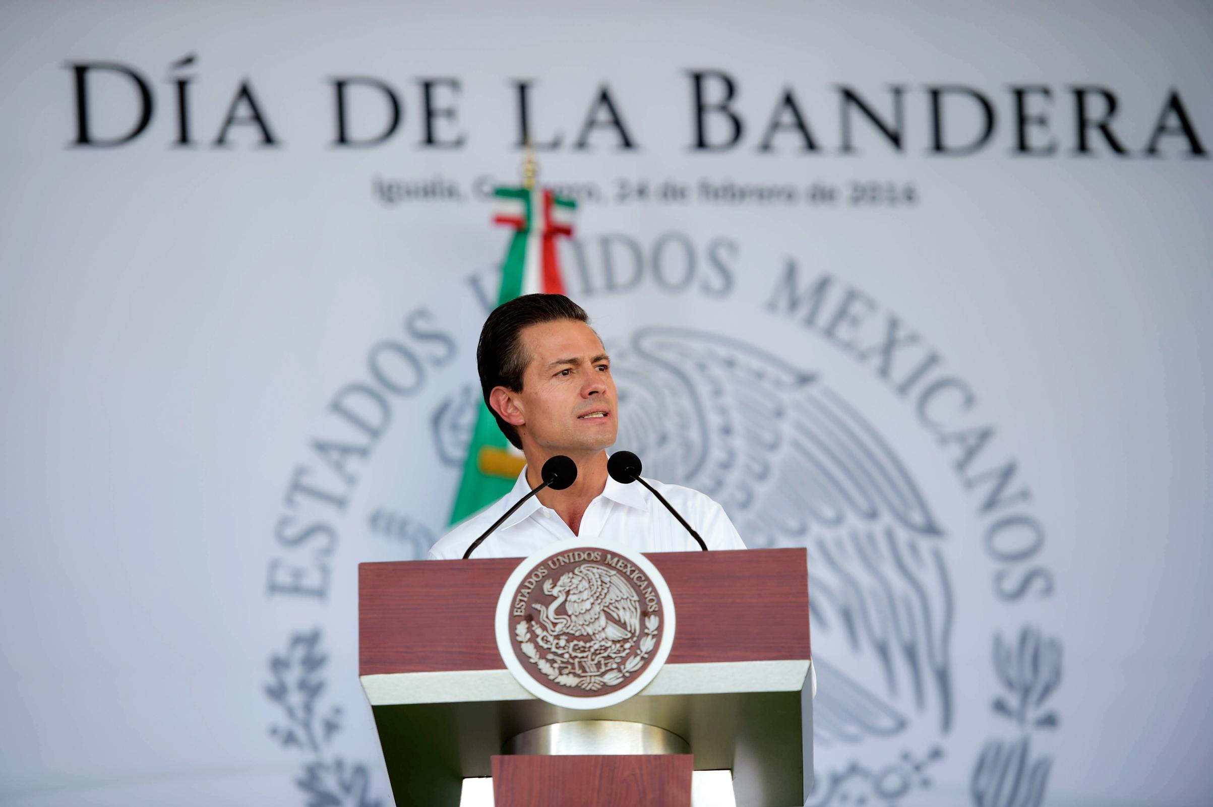 En nuestra Bandera se proyecta todo aquello que nos hace sentir orgullosamente mexicanos, señaló el Mandatario.